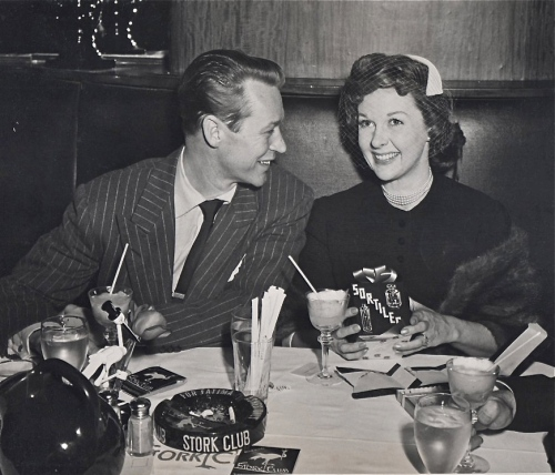 MOM N' DAD STORK CLUB -1-
