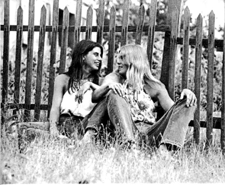 dating a hippie chick Dating a hippie, whether male or female, is as challenging as it is rewarding   succeed at dating: attract young women -- how to date younger hippy chicks.